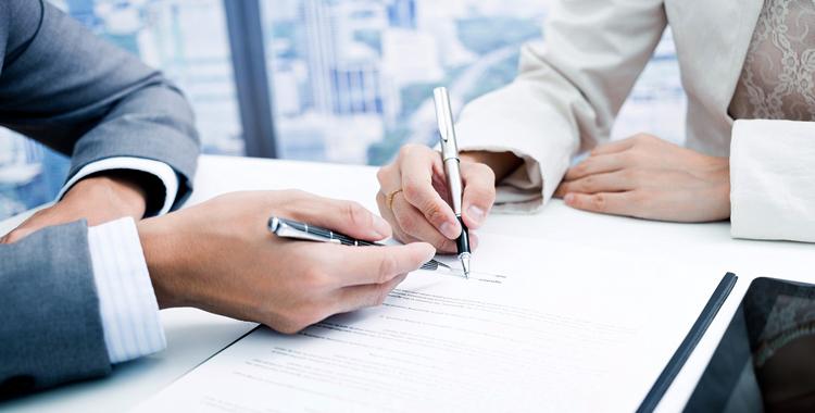 После подписания акта, ответственность переходит к новому держателю печати