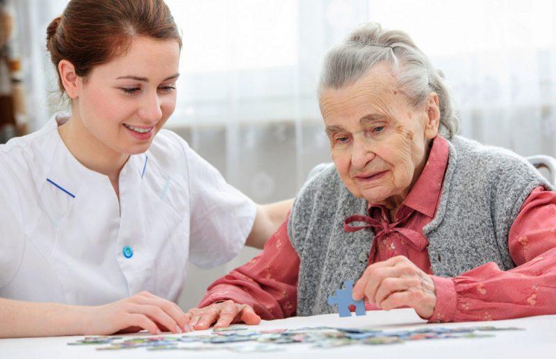 Пожилой человек должен дать свое согласие на патронаж