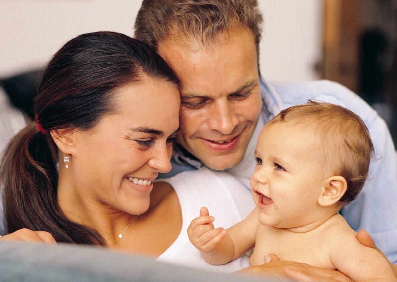 Право оспаривания родственных отношений принадлежит не только отцу и матери, но и ребенку