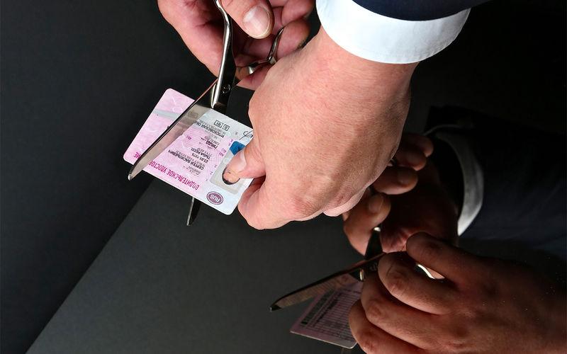 При отказе освидетельствования на состояние опьянения водитель автоматически лишается водительских прав