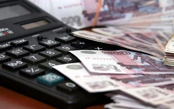 При уходе за пожилыми людьми старше восьмидесяти лет, опекун имеет право на денежные выплаты