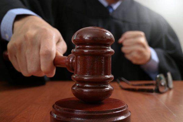 Решение вопроса о незаконном увольнении в суде