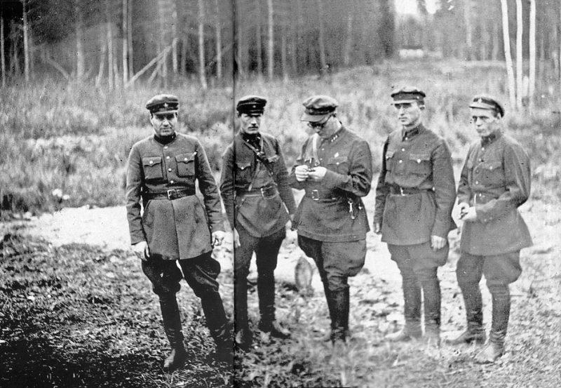 Тройка НКВД принимала непосредственное участие в расстреле обвиняемых без суда и следствия