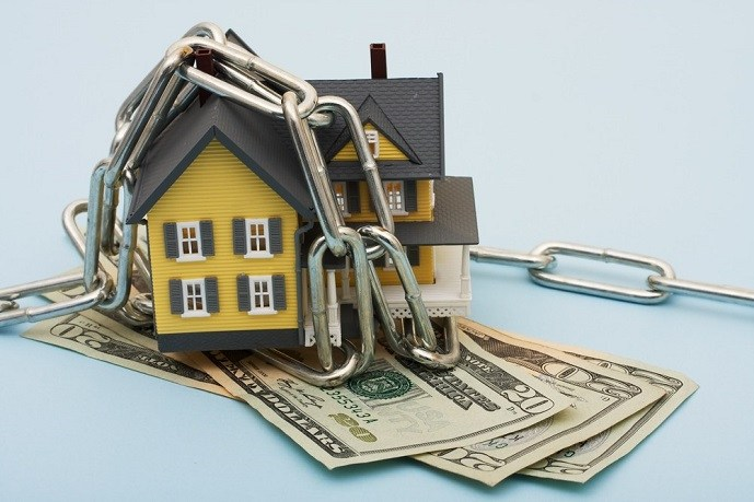 Удовлетворение треований кредиторов происходит за счет средств, полученных с помощью продажи имущества должника