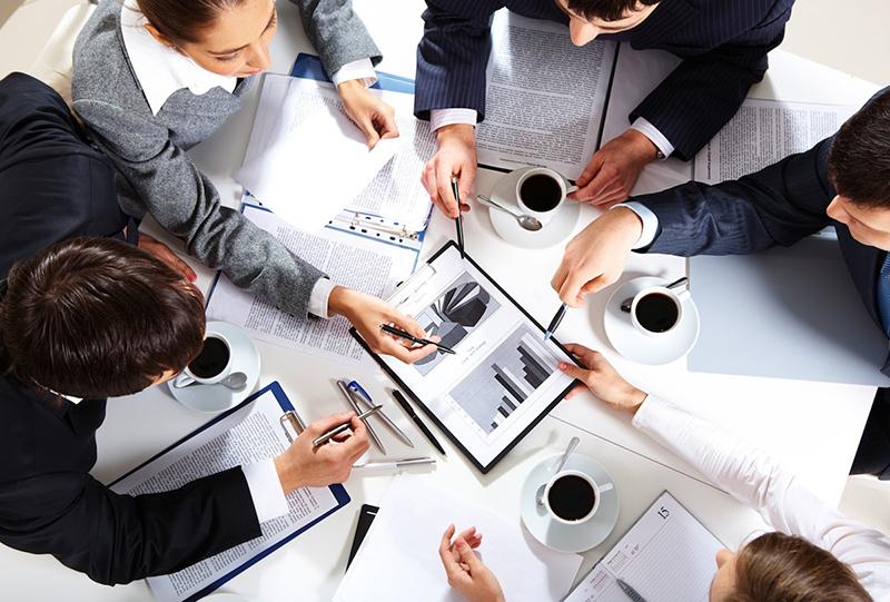 Управляющий делит свои полномочия с собранием кредиторов