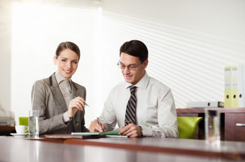 Узнавать об операционных часах требуется у сотрудников банка