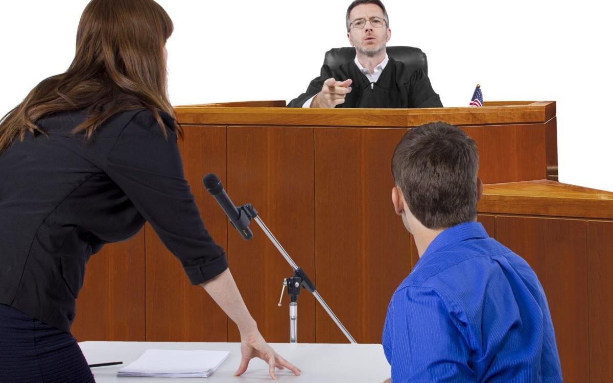 Во время судебного следствия каждая из сторон высказывается и предоставляет доказательства в пользу своей позиции