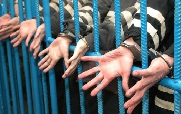 Существует ряд признаков, согласно которым можно определить руководящее преступным сообществом лицо, которому, как правило, присуждается одно из самых жестких наказаний