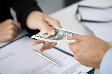 Если закон не предоставляет ограничений на операции, значит, подразумевается обязательное выполнение каких-либо сопутствующих процессам перевода средств условий