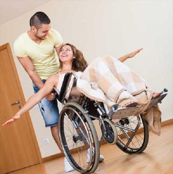 Что касается налогообложения, то и в этой области инвалиды второй группы могут воспользоваться некоторыми послаблениями, способными существенно облегчить их жизнь