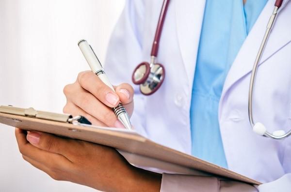 Не стоит бояться осмотра у специалистов. Если с вашим здоровьем все хорошо, вы без затруднений получите заветный документ